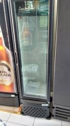 Cervejeira Slim porta de vidro 230L -