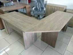 Mesa em L Tampo 33 mm sem gaveta cores amadeirada Novas