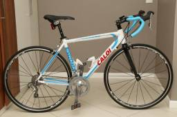 Caloi Strada (série especial) tamanho M - 54 Grupo Tiagra (R$1.500 + 6x R$250)