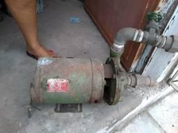 Bomba de aquá 4,5 cv 700