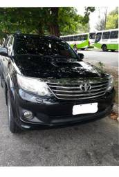 Toyota hilux sw4 srv 3.0 4x4 7 lugares - 2015