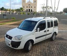 Fiat Doblo 1.8 Essence 2014 7 Lugares - 2014
