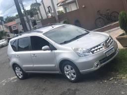Nissan Livina SL - 2012