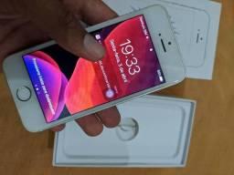 iPhone SE 64 no plástico