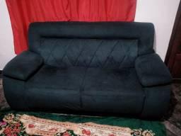 Jogo de sofá dois e três lugares por apenas 800 reais.
