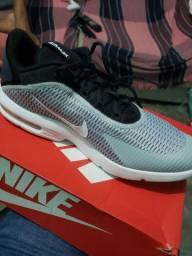 Nike Air Max R$ 249