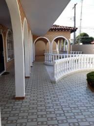 Alugo Casa no Conjunto Tiradentes com 4 quartos e Piscina