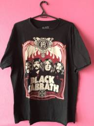 Camiseta Black Sabbath - preta