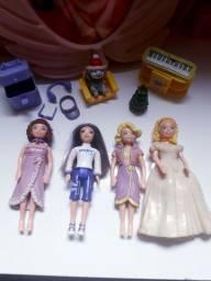 Troco por barbie ou bonequinhas tipo barbie