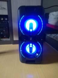 Caixa de som, bluetooth, bateria interna, vendo ou troco por algo de eu interesse