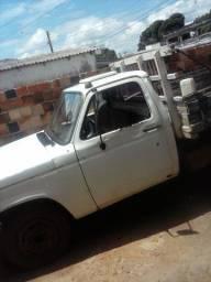 Vendo caminhão D40