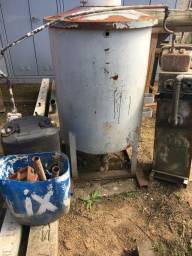Tanque de combustível usado para filtrar