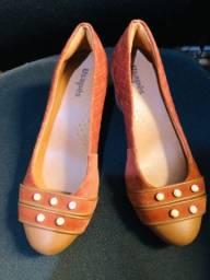 Sapato Caramelo Com pérolas