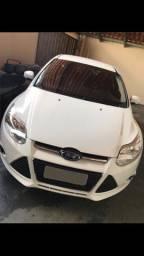 Ford focus 1.6 SE 2015