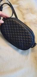 Bolsa em couro ecológico pouco usada
