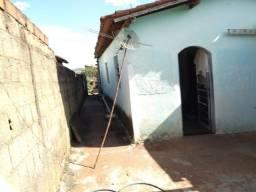 Vendo ou troco casa em Goiânia