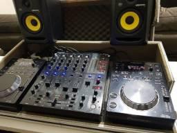 Kit CDJ-350 Pionner, Mixer DJX750, Monitores Rokit RP5G3 e Case