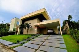 Casa 100% mobiliada, 376M² 3 suítes sendo uma master com closet *