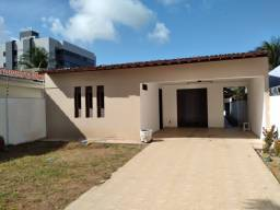 Excele casa em Lagoa Nova (4/4 sendo 01 suíte com closet, IPTU incluso)