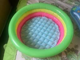 Boia e piscina