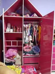 Guarda roupa casinha