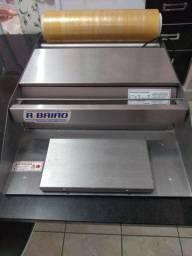 Seladora e aplicadora de filme plástico
