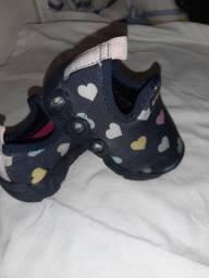 Tênis Infantil Bibi Led de corações
