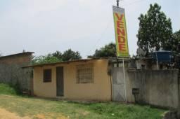 Casa com quintal grande, tipo mini-chácara, no Bairro Jardim Da Fonte
