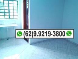Quarto com banheiro livre de luz/agua/iptu R$450,00 Kitinete Quitinete
