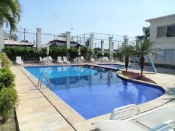 Alugo apartamento c/ suite e piscina 3 quartos