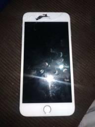 Vendo esse iPhone 7 32 gb  pra retirada pecas caio não quê ligar más