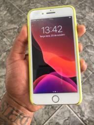 Vendo iPhone 8 pluz 64 GB novo Acompanha carregador e capa !!