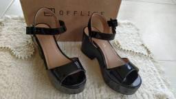 Liquidação de sapatos femininos