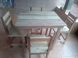 Vendo conjunto de mesa sou de Anápolis