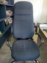 Cadeira giratória tipo Presidente