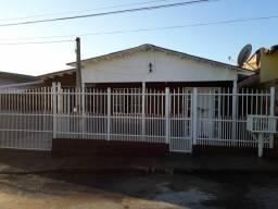 Ótima casa para alugar em CACHOEIRINHA casa para 2 famílias morarem .