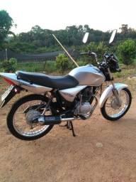 Cg titan 150 2006 valor 6,500 , aceito troca por moto maior .