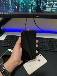iPhone XR 256GB VITRINE