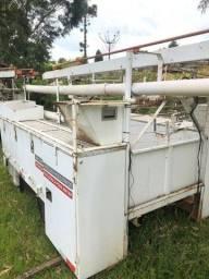 Carroceria manutenção elétrica com escada 10.5 mt