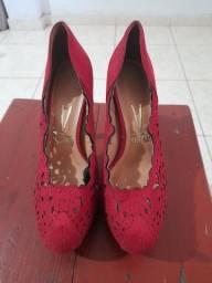 Sapato vermelho vizzano