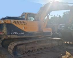Escavadeira hiunday R220