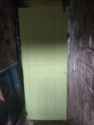 Vendo porta de madeira e
