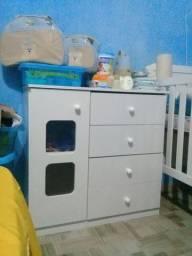 berço e cômoda de bebê nunca usado