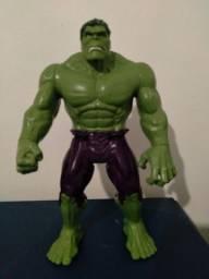Boneco do Hulk GD Titan Hero Deluxe