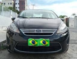 New Fiesta sedã 2011 / 1.6 $ 30.000mil F * / *