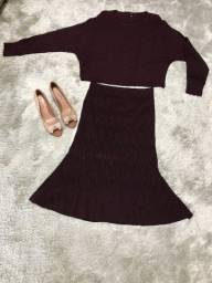Conjunto Saia e blusa e sapato