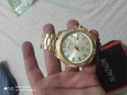 Vendo relógios seminovos originais