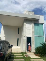 VENDO belíssima casa no Condomínio Alphaville