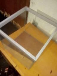 Cuba de vidro 20x20x20 5 mm temperado e alumínio