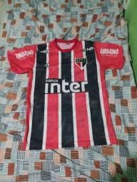 Camisa 2 do são Paulo tricolor tamanho M e GG